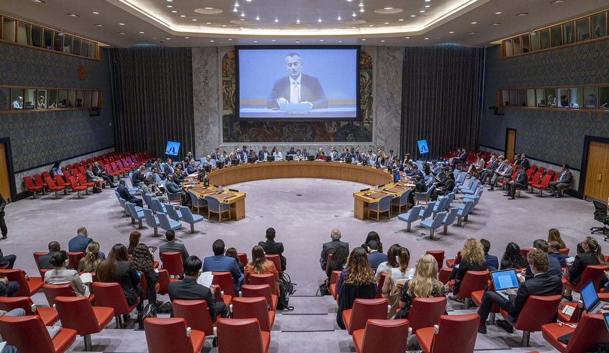 Nickolay Mladenov (on screen), UN Special Coordinator for the Middle East Peace Process and Personal Representative of the Secretary-General to the Palestine Liberation Organization and the Palestinian Authority, briefs the Security Council on the situation in the Middle East, including the Palestinian question.