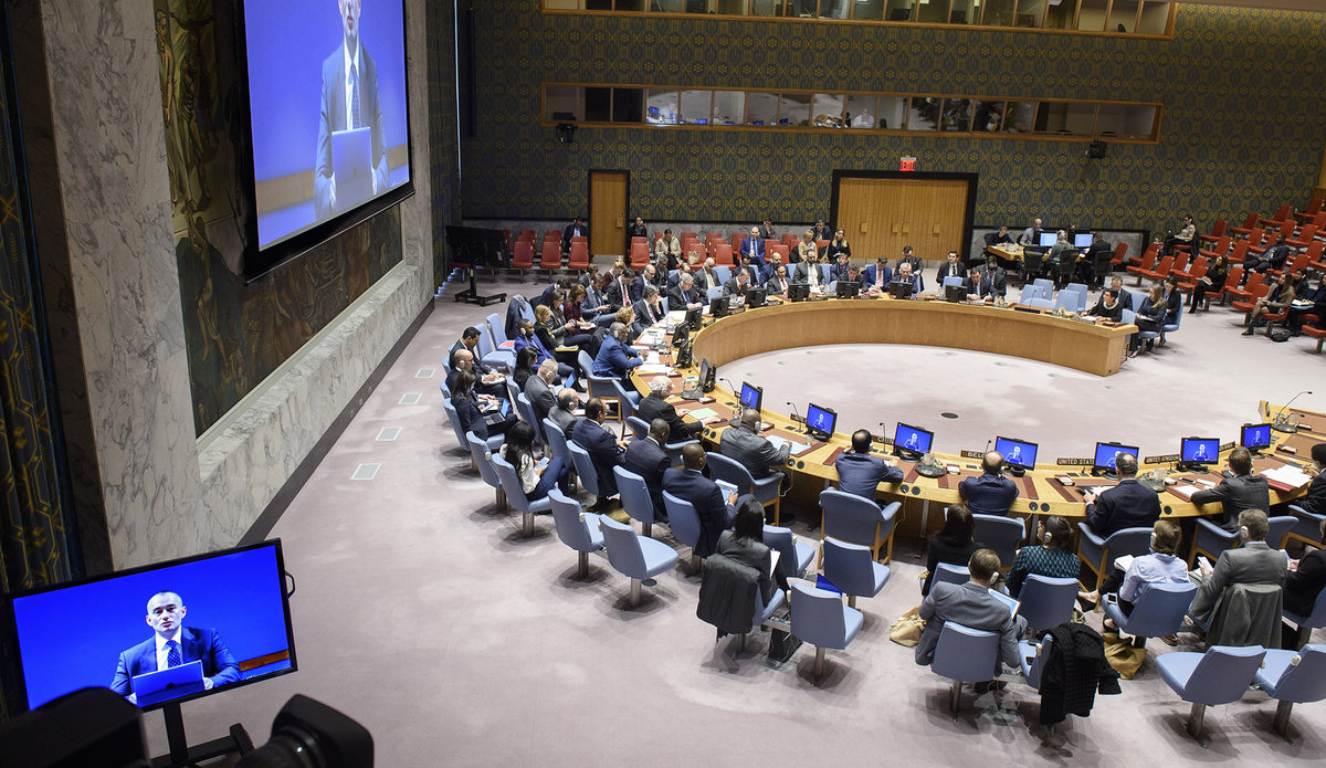 A wide view of the Security Council Chamber as Nickolay Mladenov (on screens), UN Special Coordinator for the Middle East Peace Process, briefs the Council on the situation in the Middle East, including the Palestinian question