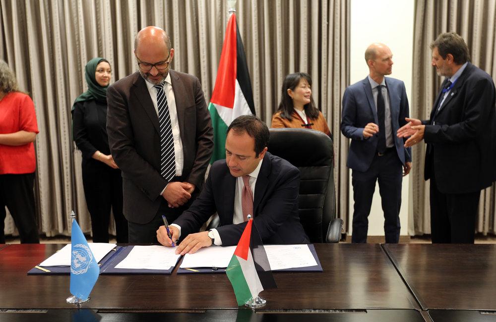 UNESCO Representative, Mr. Lodovico Folin-Calabi, signs the 2018-2022 UNDAF in Ramallah