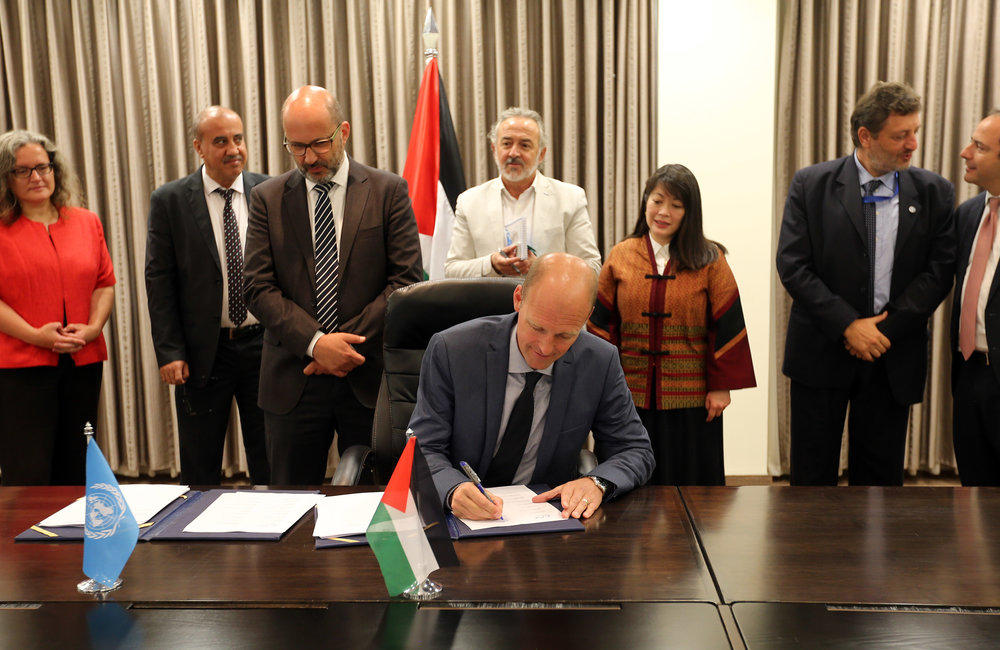 UNFPA Representative Mr. Anders Thomsen signs the 2018-2022 UNDAF in Ramallah