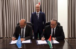 UN Resident Coordinator Robert Piper and H.E. Ibrahim Al-Shaer, Minister of Social Development signing the 2nd UNDAF for the occupied Palestinian territory, covering the period 2018-2022.