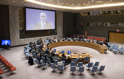 Nickolay Mladenov (on screen), UN Special Coordinator for the Middle East Peace Process and Personal Representative of the Secretary-General to the Palestine Liberation Organization (PLO) and the Palestinian Authority, briefs the Security Council on the situation in the Middle East. (20 November 2017 - UN Photo/Eskinder Debebe)